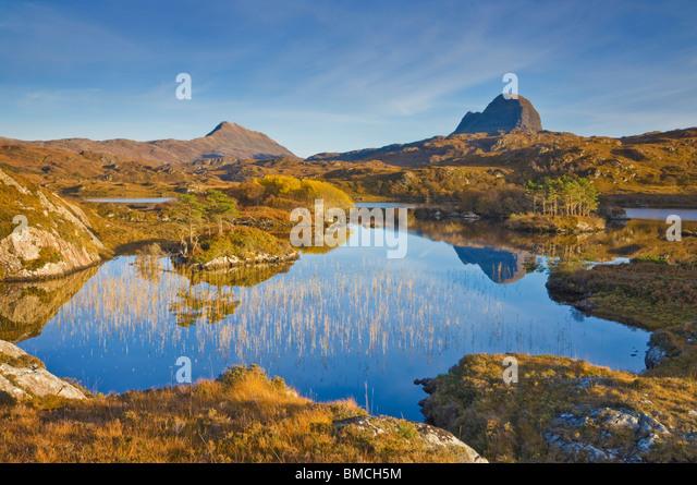 Zwei Berge der suilven und canisp vom Loch druim suardalain, Sutherland, North West Schottland, England, GB, EU, Stockbild