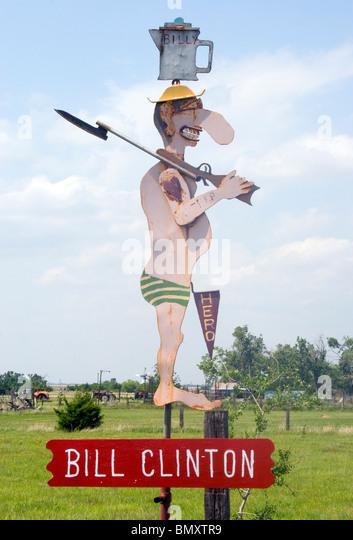 Politische Satire Metallskulpturen von MT Liggett in Mullinville Kansas Stockbild