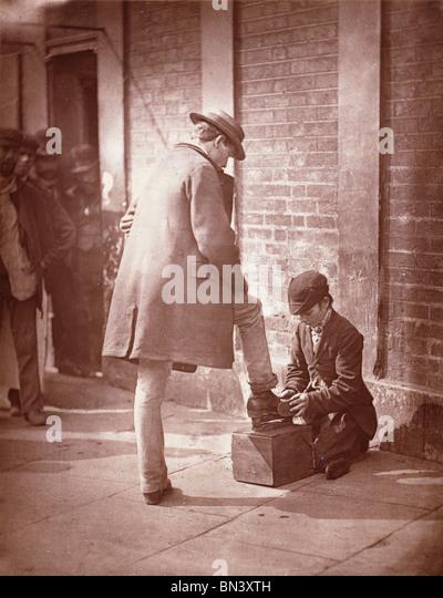 Die dramatische Schuh-schwarz, von John Thomson. London, England, Ende 19. Jh. Stockbild