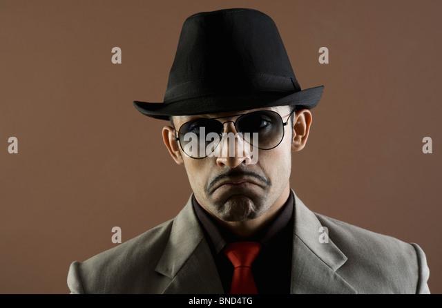 Nahaufnahme eines Schauspielers Darstellung eines Geschäftsmannes schmollen Stockbild