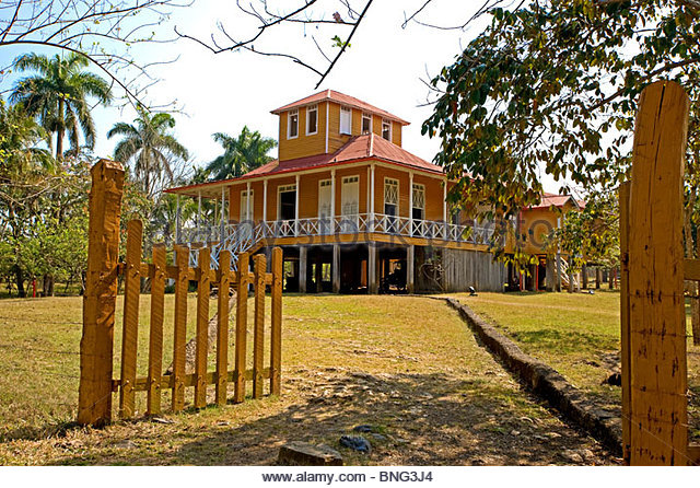 Weiler gehören zur Familie Castro, wo Fidel geboren wurde; hier sein Haus. Biran, Provinz Holguin, Kuba Stockbild