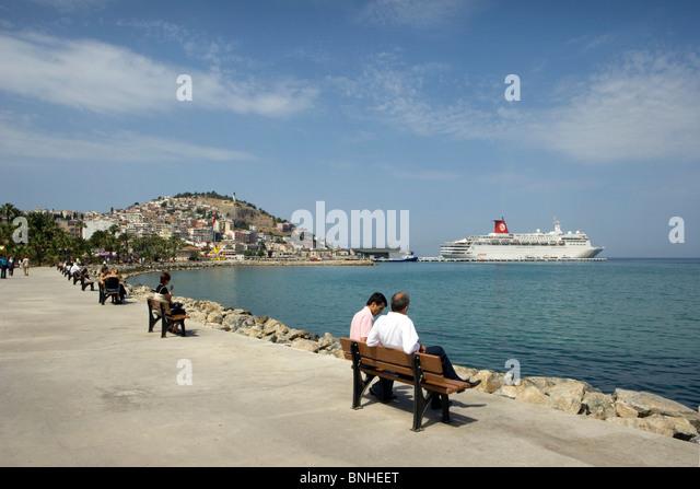 Juni 2008 Türkei Kusadasi Mittelmeer Küste Schiff Stadtpromenade Stockbild