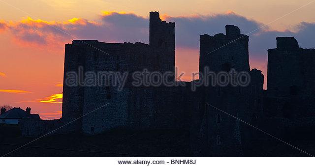 Kidwelly Castle Carmarthenshire Wales bei Sonnenuntergang Stockbild