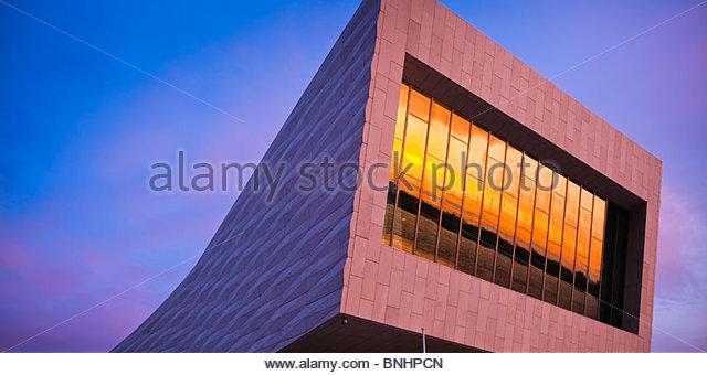 Das neue Museum of Liverpool Liverpool England bei Sonnenuntergang Stockbild
