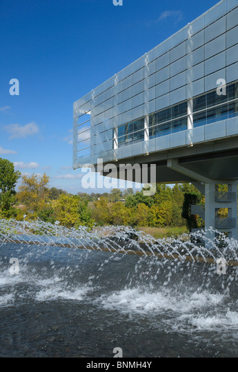 William J. Clinton Presidential Center & Park Bibliothek außen Little Rock Arkansas USA-Brunnen-Park-Architektur Stockbild