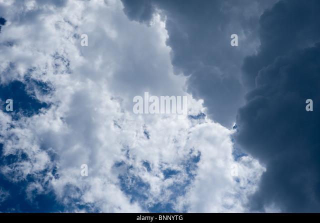 Himmel und Wolken - Stock-Bilder