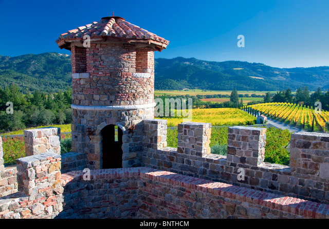 Schloss-Turm im Castello di Amorosa. Napa Valley, Kalifornien. Eigentum freigegeben Stockbild
