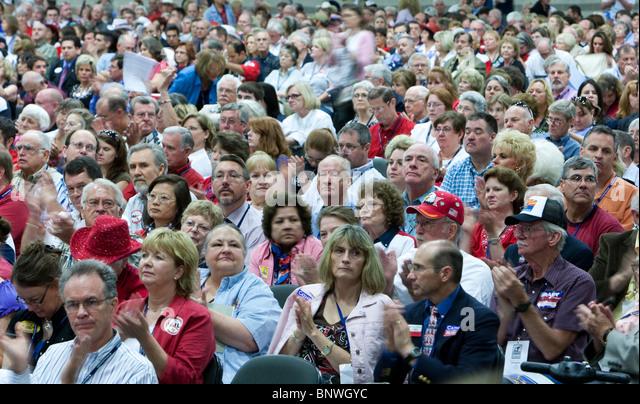 Einige der mehr als 5.000 Delegierten bei der halbjährlichen Texas Republican Convention in Dallas. Stockbild