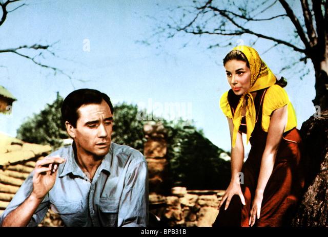 MEL FERRER & PIER ANGELI JAHRGANGS (1957) Stockbild
