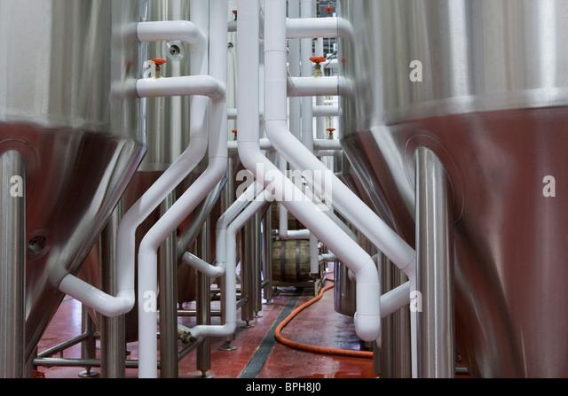 Gärtanks in einer Brauerei Stockbild