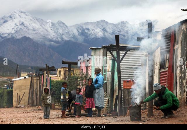 Südafrika: Township in der Weinregion der westlichen Kap-Provinz in der Nähe von De Doorns, Hex Valley Stockbild