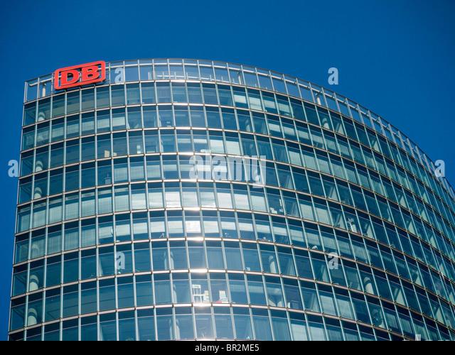 Detail der Turm Sitz der DB oder Deutsche Bahn national Railway Company in Berlin Deutschland Stockbild