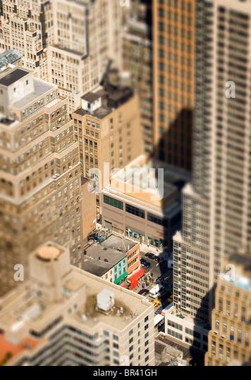 Ein Blick von oben die Stadt in New York City, New York. (Tiefenschärfe) Stockbild