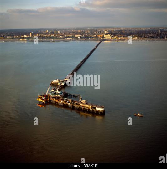Luftaufnahme von Southend Pier, der längste Vergnügen Pier in der Welt und der Mündung der Themse, Stockbild