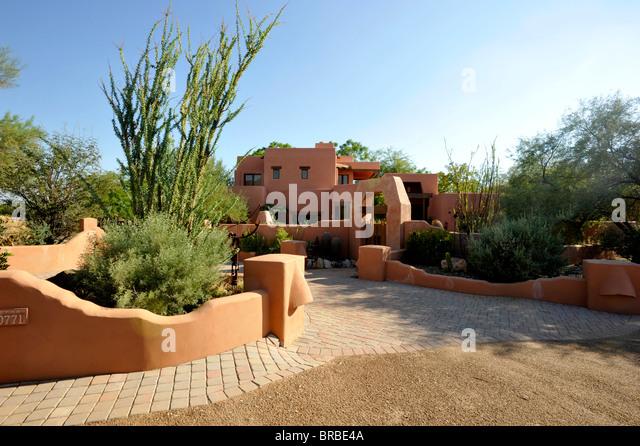 Zeitgenössische Adobe Haus in Phoenix Stockbild