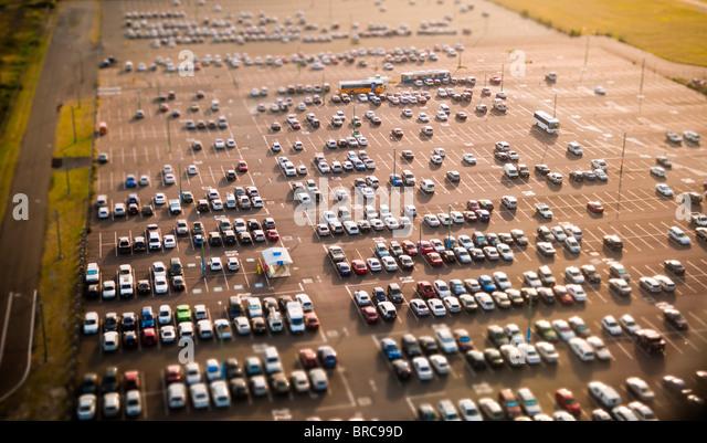 Luftaufnahme des Autos auf Parkplatz, Flughafen Sydney, NSW, Australien Stockbild