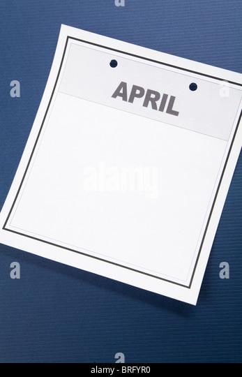 Leeren Kalender, April, mit blauem Hintergrund Stockbild