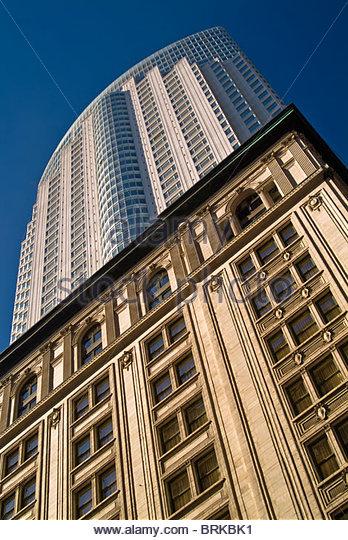 Gegensätzliche Baustile in Toronto, Ontario, Kanada Stockbild