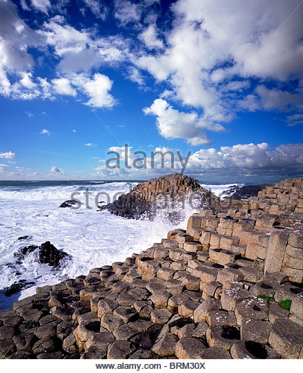 Sechseckige Felsformationen des Giant's Causeway in Nordirland. Stockbild