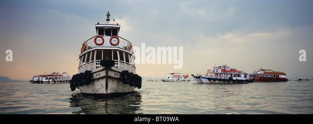 Indien, 2010-10-01, Boote vor Mumbai © Gerhard Leber - Stock-Bilder