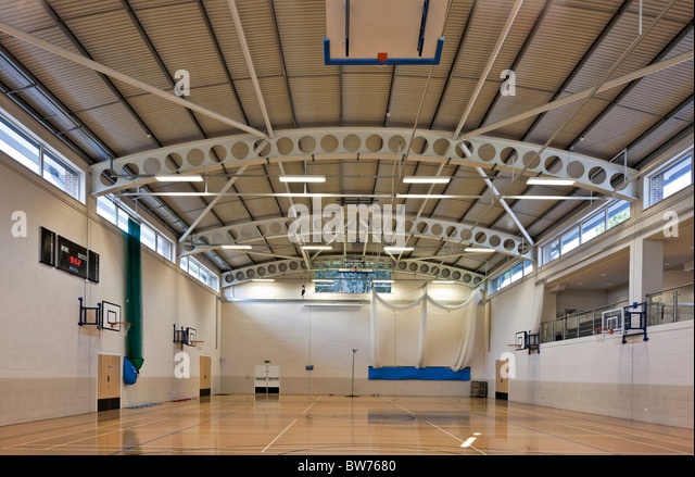 Ibstock Ort Schule Sporthalle. Stockbild