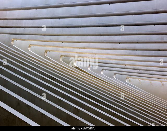 Detail Architektur Dach des Bahnhofs in Lüttich-Guillemin, Belgien Stockbild