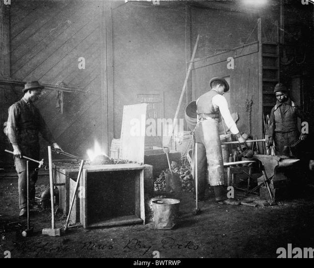 Arbeiter Fabrik Schmied Fälscher Männer afroamerikanischen Afro-Amerikaner Newport ca. 1900 historische - Stock-Bilder