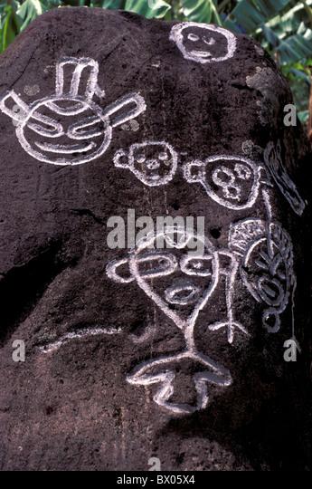 Felsmalereien Kultur Zeichnungen Grenadinen historische native Petroglyphen Felsen Saint Vincent Symbole Cari Stockbild