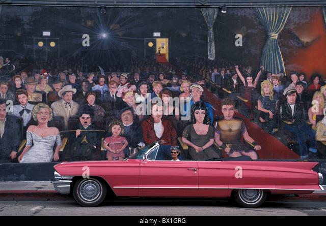 1962 pink Cadillac Convertible Frau Auto Oldtimer Bild Modell veröffentlicht Hollywood Hollywood Wandbild Los Stockbild