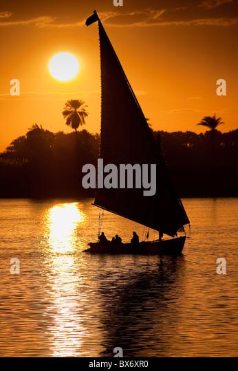 Eine beeindruckende und schöne Bild von einem traditionellen ägyptischen Segelboot bezeichnet eine Feluke Stockbild