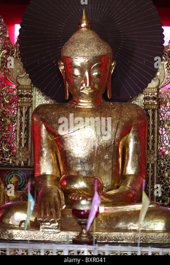 Eine Buddha-Statue an der Aung Chan Tha Zedi Tempel in Kalaw, Nepal. Stockbild