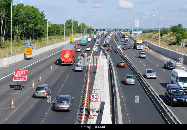 motorway barrier stockfotos motorway barrier bilder alamy. Black Bedroom Furniture Sets. Home Design Ideas