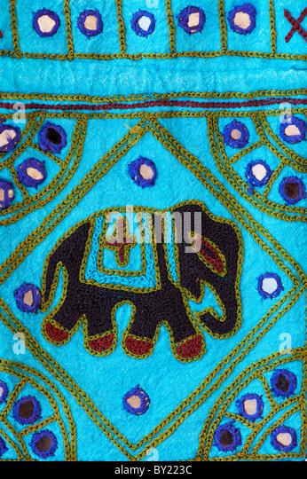 Indische Handarbeit bunte Stofftasche mit Elefanten design Stockbild
