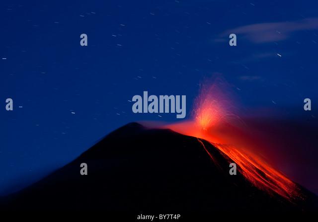 Vulkan Tungurahua durchbrechenden mit Lavastrom, Banos, Ecuador Stockbild