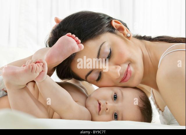 Mutter mit baby Stockbild