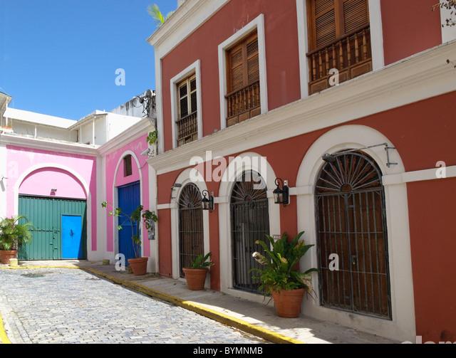 Old San Juan Street mit kolonialer Architektur, Puerto Rico Stockbild