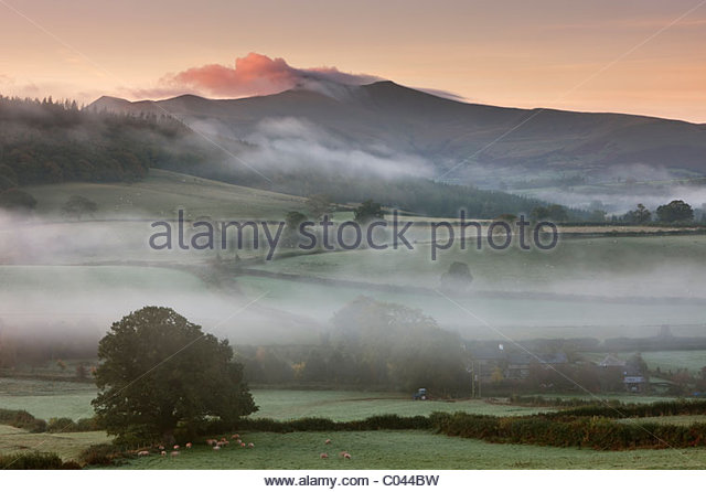 Brecon-Beacons-Nationalpark in der Morgendämmerung, Powys, Wales, UK Stockbild
