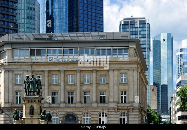 Johannes Gutenberg-Denkmal, Niederlassung der Deutschen Bank deutsche Bank und Wolkenkratzer-Zentrale der Deutschen Stockbild