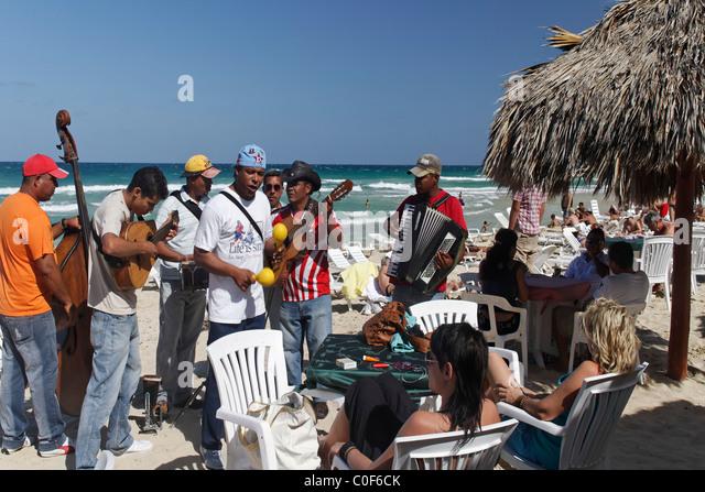 Sohn-Musiker in Playa del Este, Santa Maria Del Mar, in der Nähe von Havanna Kuba Stockbild