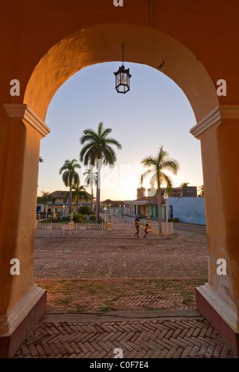 Sonnenuntergang an der Plaza Mayor, Trinidad Kuba Stockbild