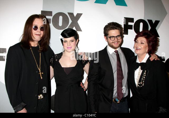 Ozzy Osbourne, Kelly Osbourne, Jack Osbourne und Sharon Osbourne Fox TV Winter alle Sterne Party im MyHouse - Ankünfte Stockbild