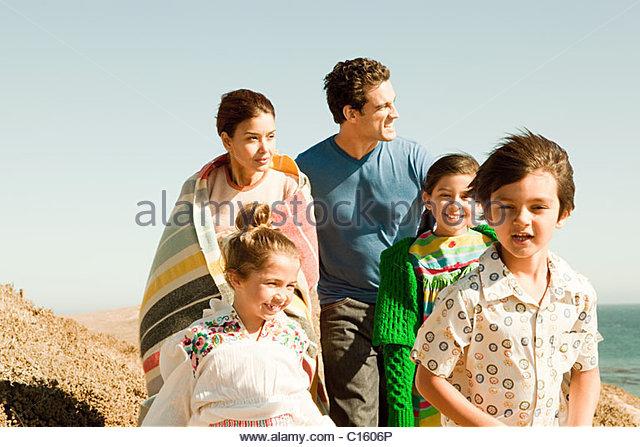 Familie im Urlaub Stockbild