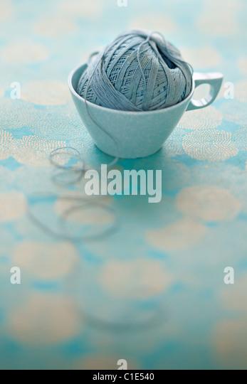 Blasses Blau Mel Mac Vintage Kaffeetasse mit Ball Zeichenfolge Stockbild
