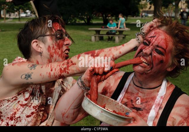 Zombie-Wanderer aus Kolumbus jährlichen Zombie Walk zugunsten der Mid-Ohio Food Bank. - Stock-Bilder