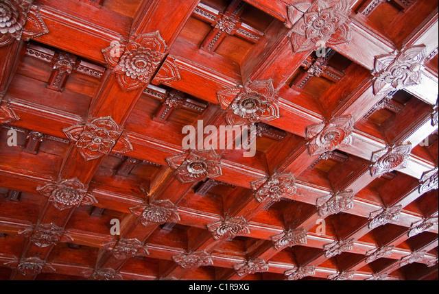 Teakholz-Decke in der Padmanabhapuram Palast, alte 17. Jahrhundert der Rajas, in der Nähe von Trivandrum. Stockbild