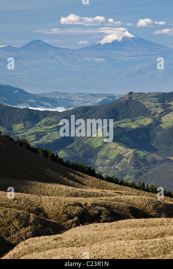 Ansicht des Cotopaxi Vulkans von Vulkan Cotacachi, Provinz Imbarura, Otavalo, Ecuador Stockbild