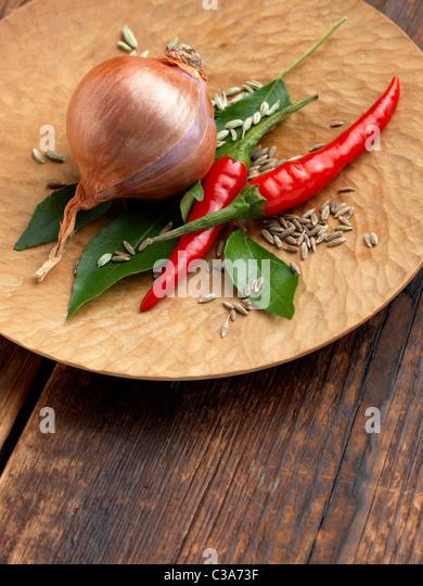 Zwiebel Curryblätter Chili Fenchelsamen Stockbild