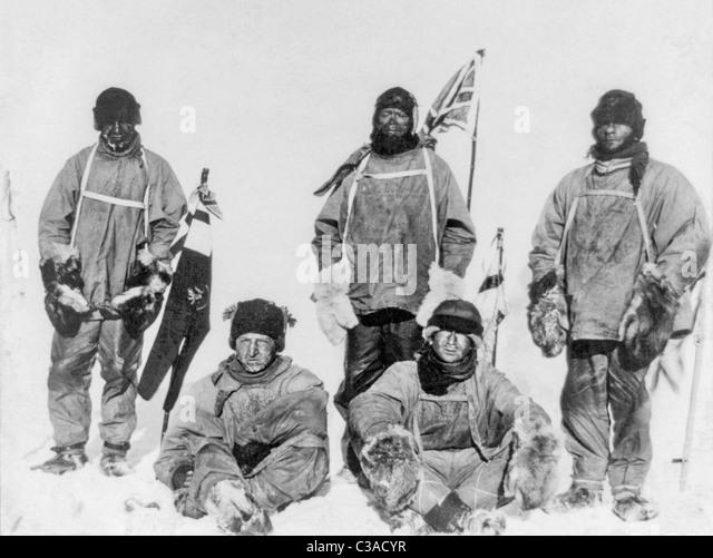 Robert Falcon Scott und Mitglieder seiner Terra-Nova-Expedition 1910-1913 am Südpol in der Antarktis im Januar Stockbild