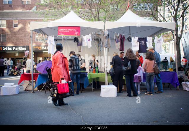 Tribeca Film Festival waren zum Verkauf auf dem Tribeca Film Festival Familie Street Fair Stockbild