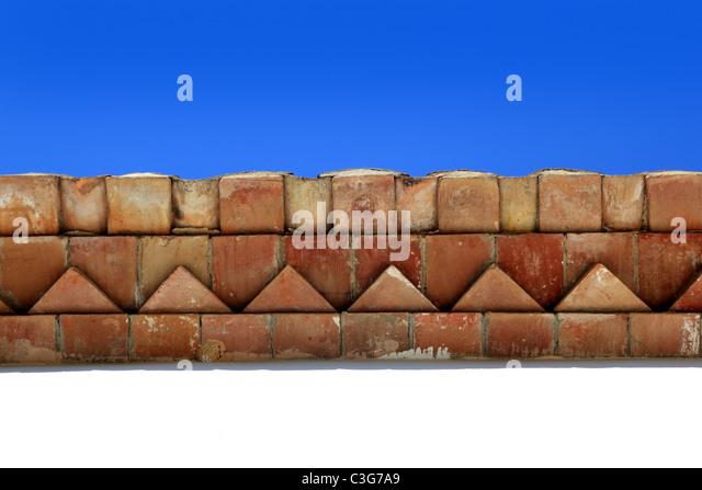 Ziegel Dach Traufe Mittelmeerarchitektur Detail herkömmlicher Bauart Stockbild